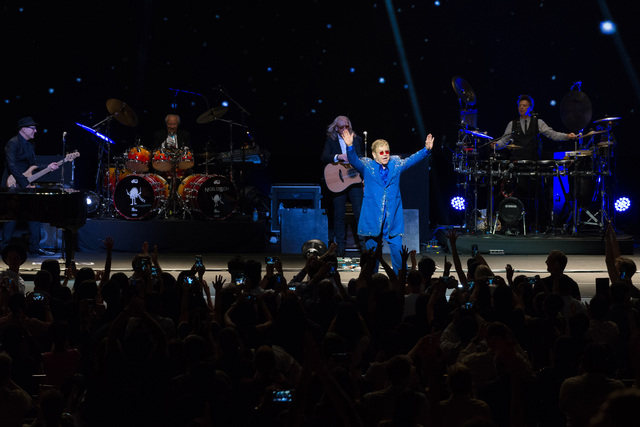 Elton John Live in Singapore 3