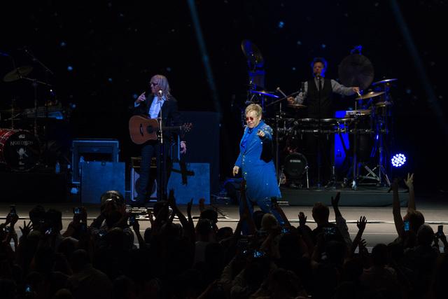 Elton John Live in Singapore 4