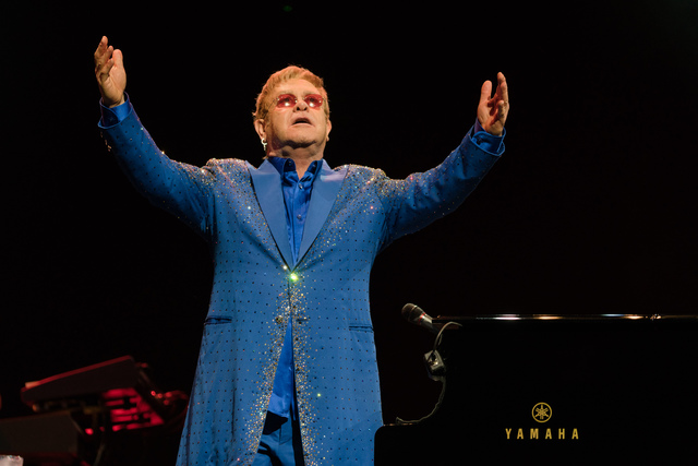 Elton John Live in Singapore 6