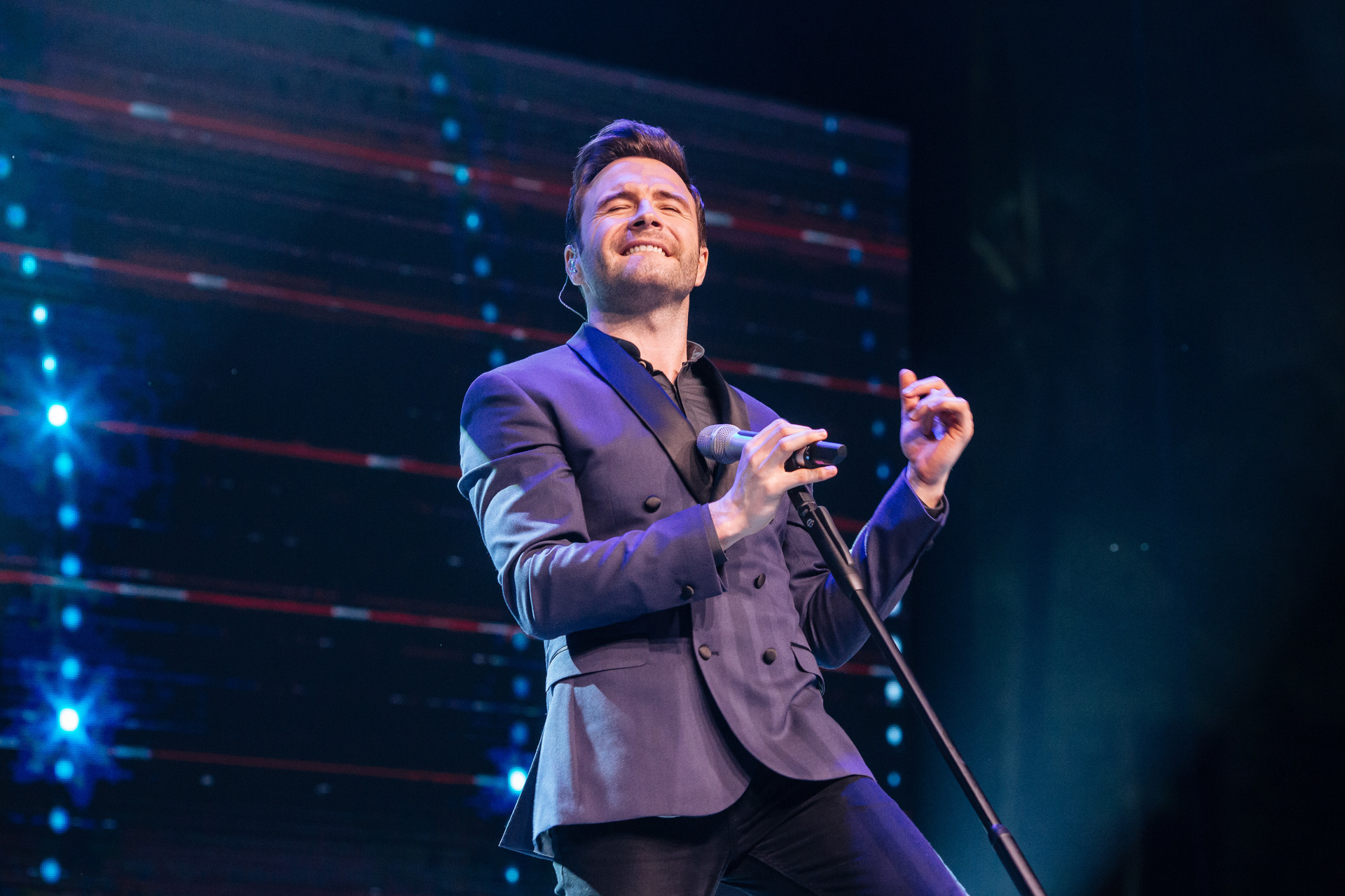 In Singapore Shane Filan Had More Than Enough Love To Go Around Gig