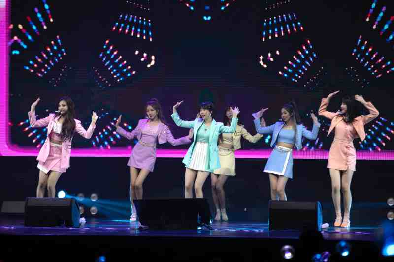 Gfriend Shows Why They Are One Of The Top Girl Groups In K Pop At