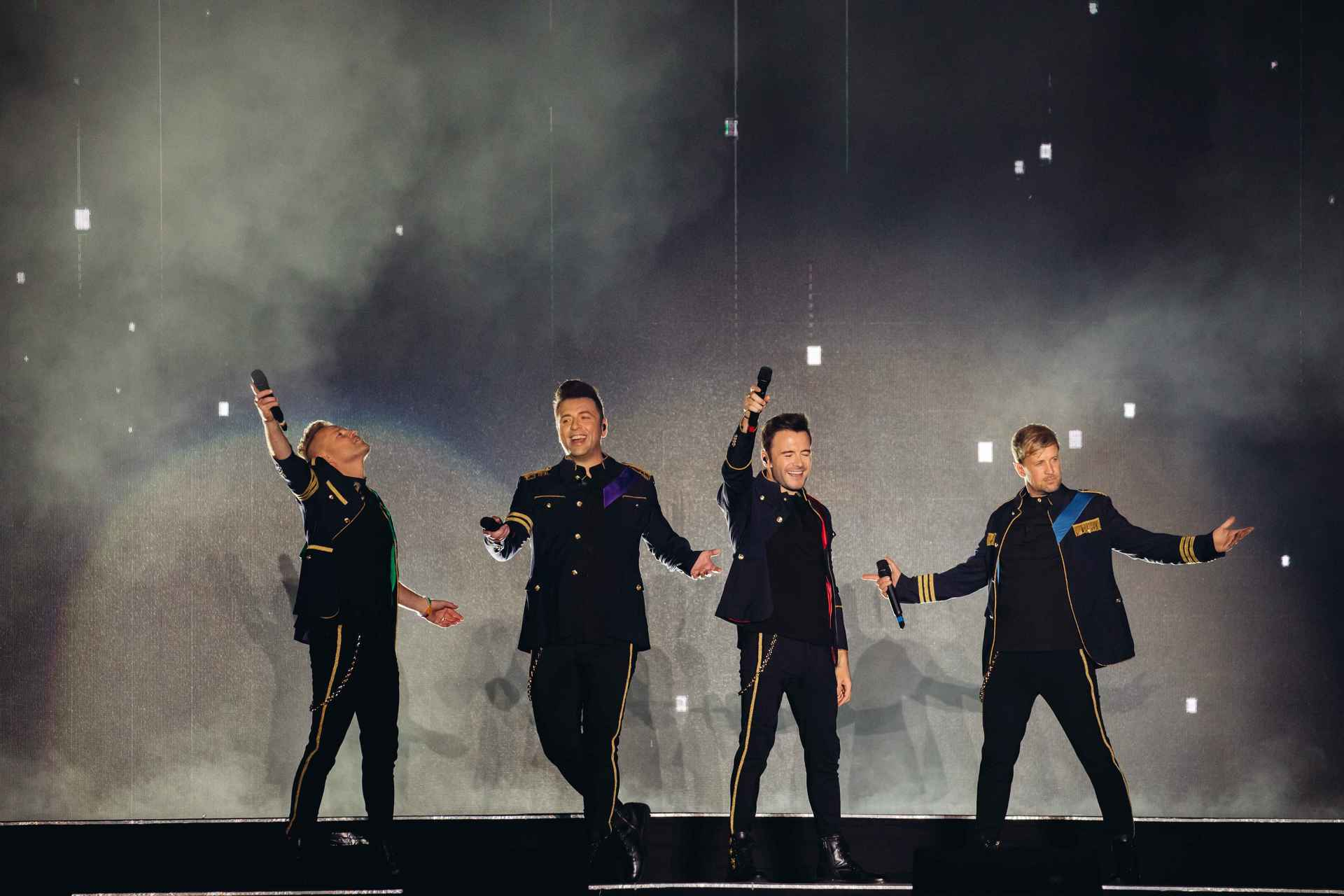 Westlife delivers an intimate and nostalgic performance at