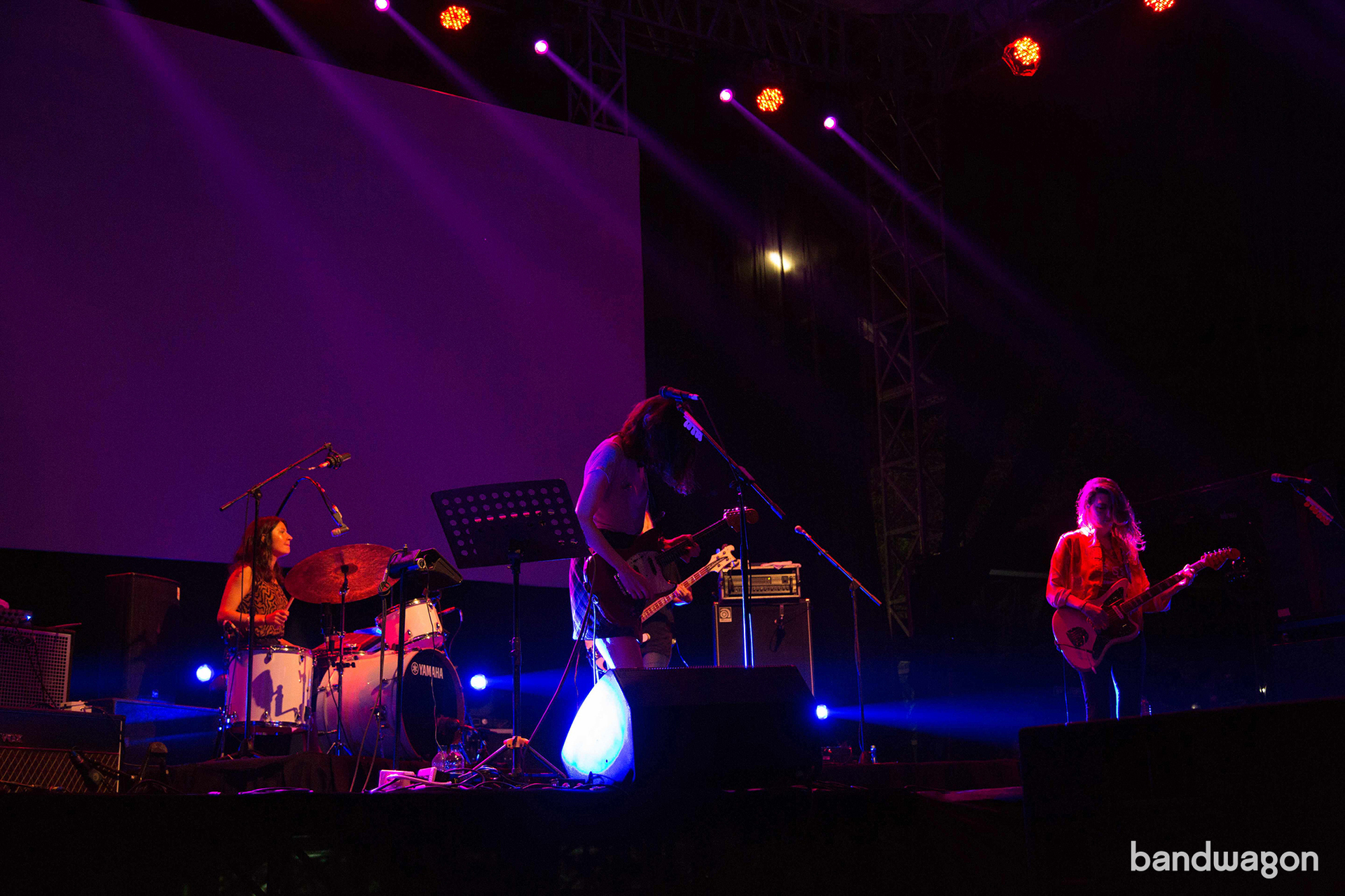 warpaint, indie rock, jakarta, concert, warpaint jkt, warpaint id, wire it up